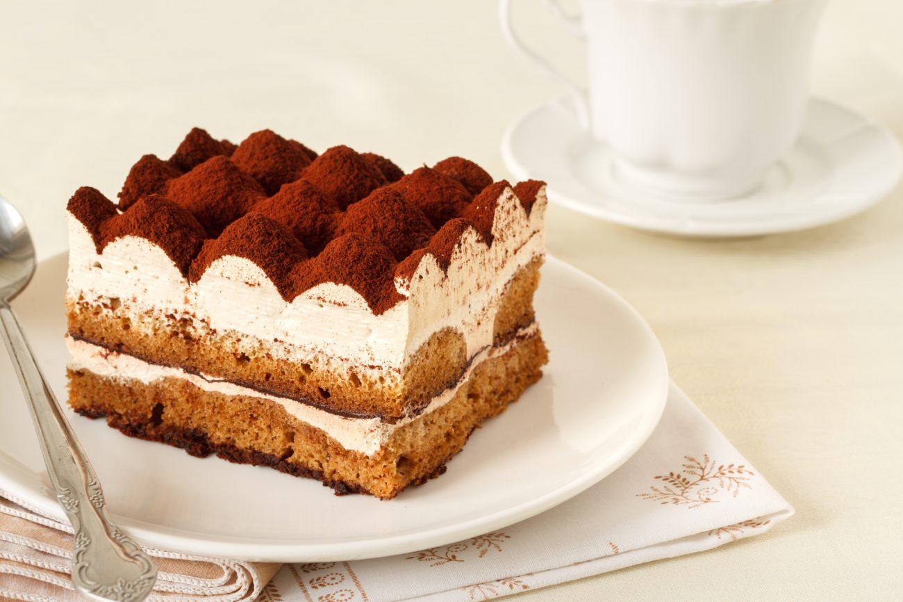 Torta tiramisù con Pan di Spagna al cioccolato